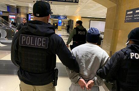 ICE officers arrest aggravated felon at Chicago's Union Station