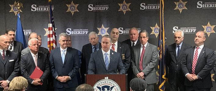 ICE, agencias del orden público de NY abordan peligros de la Ley Luz Verde de Nueva York