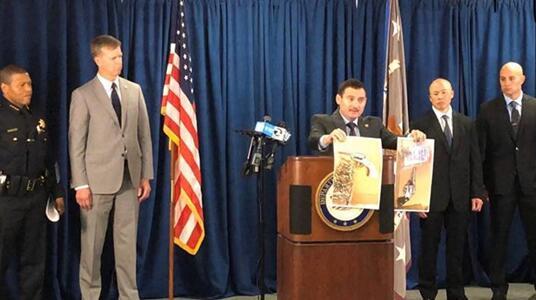 Agentes especiales de la Oficina de Investigaciones de Seguridad Nacional de ICE efectúan arrestos de pandilleros de la MS-13
