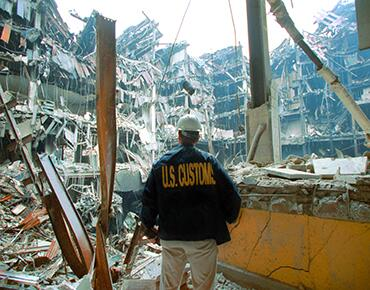 picture of US Customs agent at the World Trade Center after 9/11