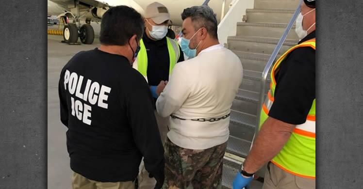 ICE removes Honduran national wanted for murder