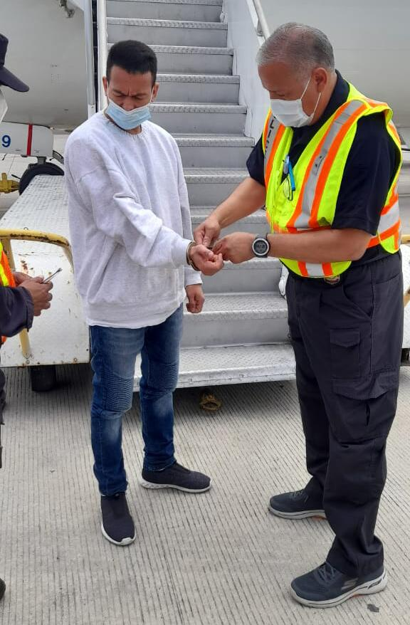 ICE removes Salvadoran national wanted for aggravated homicide