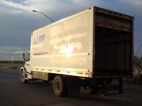 Un ejemplo típico de un camión de carga utilizado para contrabando humano.