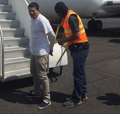 ICE removes gang member wanted for murder in El Salvador