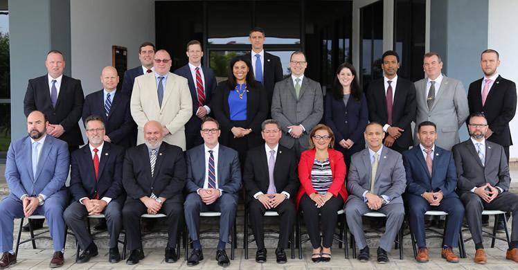 Group with El Salvador Attorney General