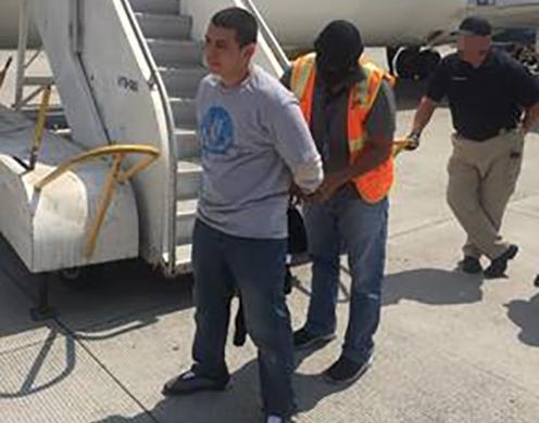 Oficiales de ICE Dénver deportan a pandillero de la MS-13 buscado por extorsión con agravante