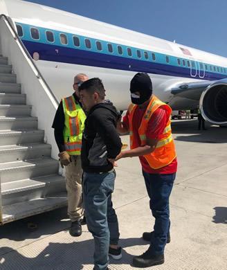 ICE El Paso removes MS-13 gang member wanted in El Salvador