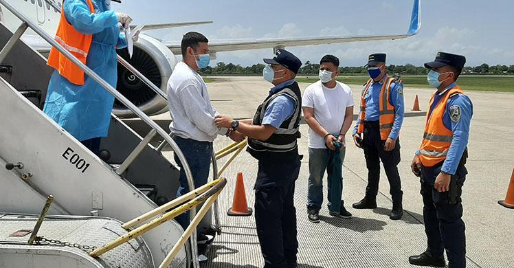 ICE removes Honduran man wanted for murder