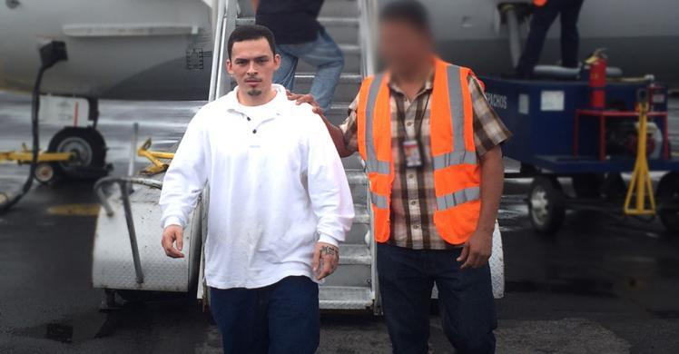 ICE removes man wanted for aggravated homicide in El Salvador