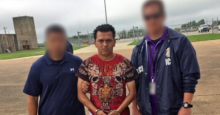 ICE removes MS-13 gang member wanted for murder in El Salvador