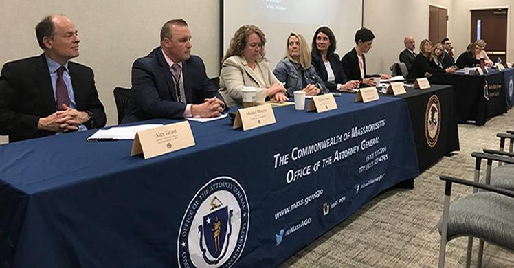 Ice Hsi Boston Special Agent Leads Presentation At Large