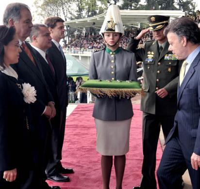 ICE Director Morton honored by Colombian President Santos