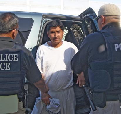 ICE deports 2 fugitive Mexican murder suspects