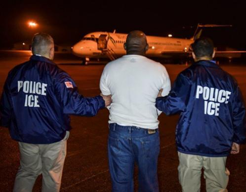 ICE removes Dominican national wanted for murder