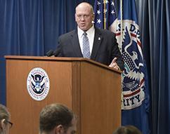DHS anuncia progreso en la aplicación de leyes de inmigración, protección de estadounidenses
