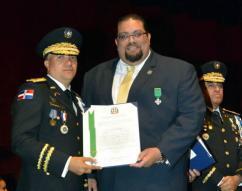 Mayor General Ney Aldrin Bautista, Director of the National Police (Uniformed) and HSI Representative Josean Santiago (suit)